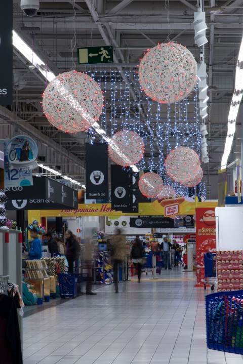 Decoración navideña supermecados y grandes superficies